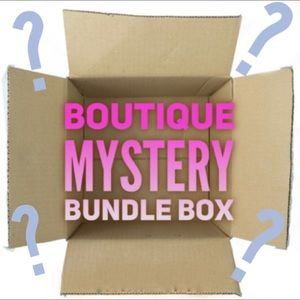Other - 4 ITEM MYSTERY BOX 💫